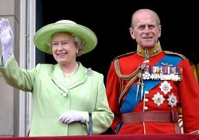 Елизавета II и ее супруг привились от COVID-19