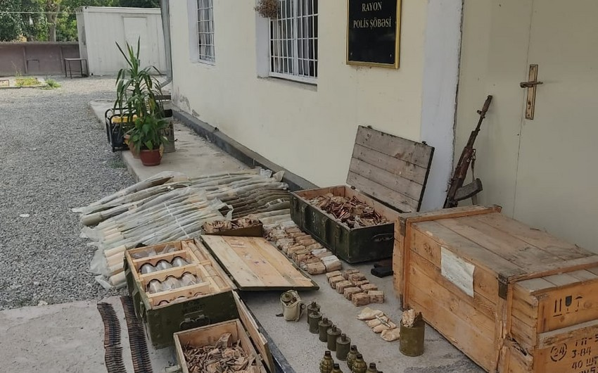 Police officers find weapons in Fuzuli