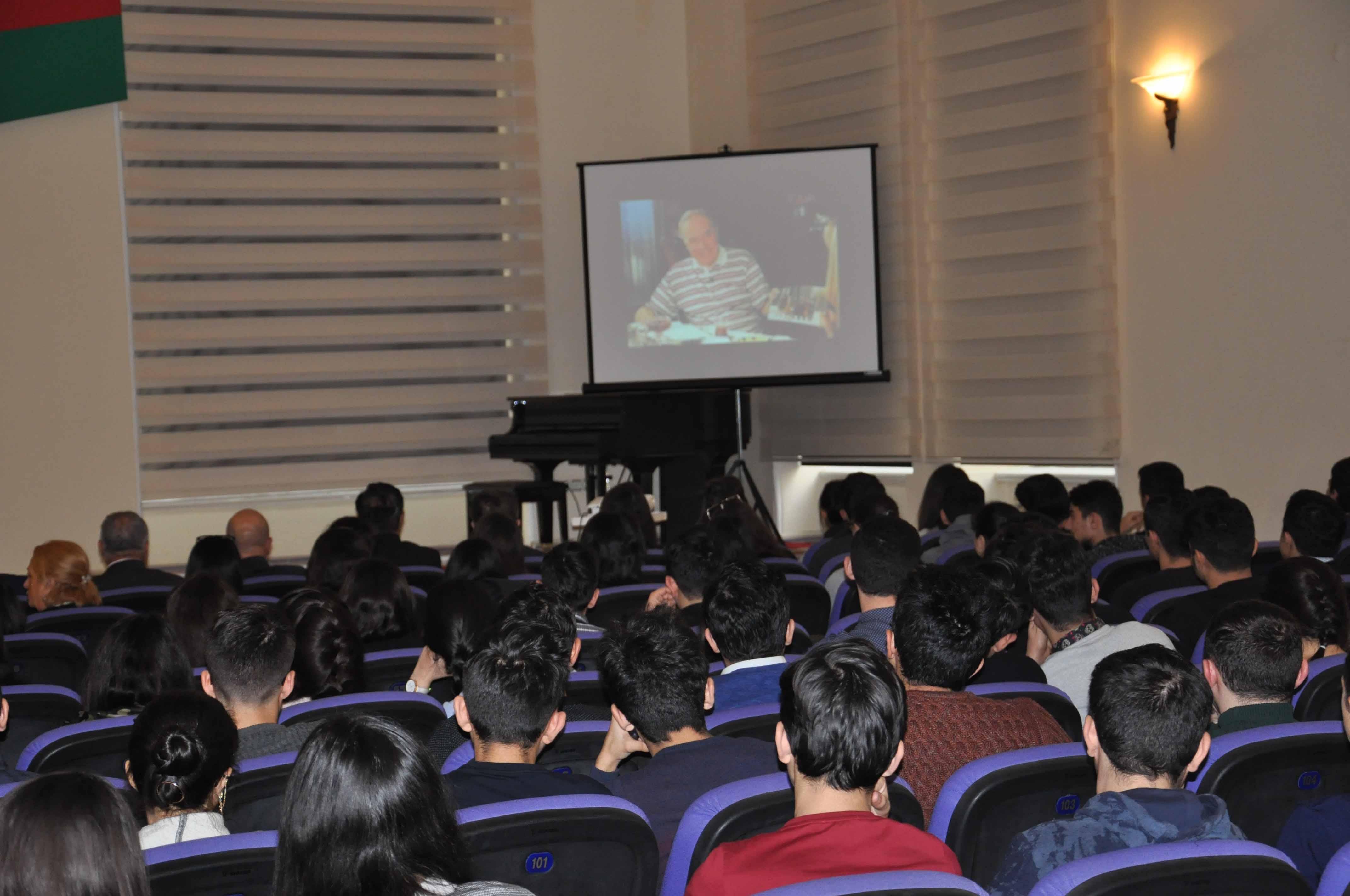 Mayoralty of Baku hosts event marking 14th death anniversary of Heydar Aliyev