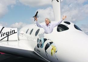 Космолет Virgin Galactic с миллиардером Брэнсоном поднялся в небо