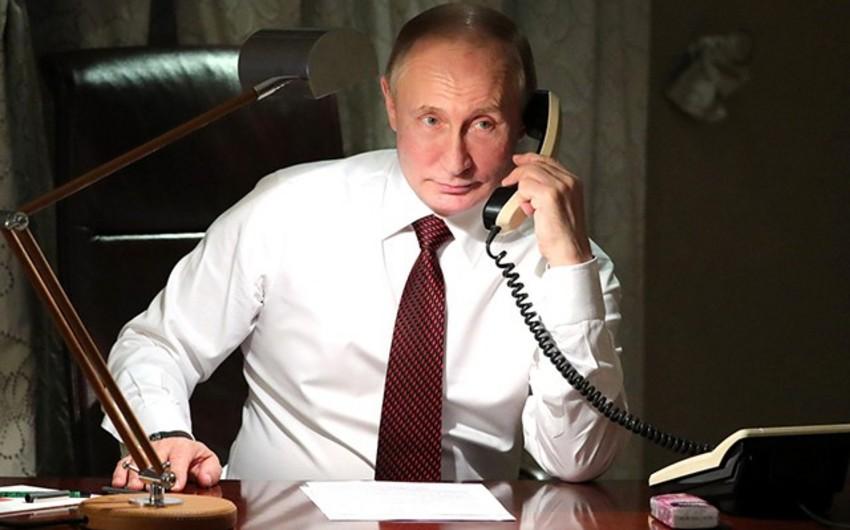 Putin ilk dəfə məxfi kabinetini jurnalistlərə göstərdi - FOTO - VİDEO