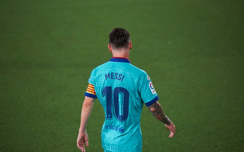 Barselona Messinin maaşını azaldır