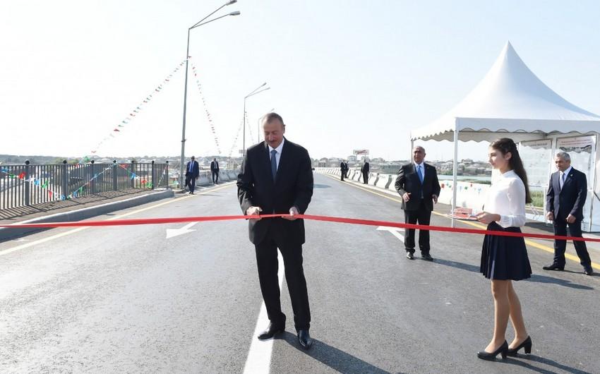 Президент Ильхам Алиев принял участие в открытии реконструированных дорог Пиршаги-Новханы и Бинагади-Новханы-Джорат
