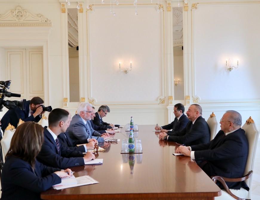 Президент Ильхам Алиев принял министра иностранных дел Польши