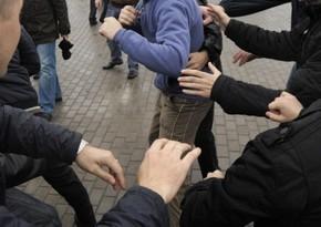В Баку во время массовой драки ранение получил молодой человек