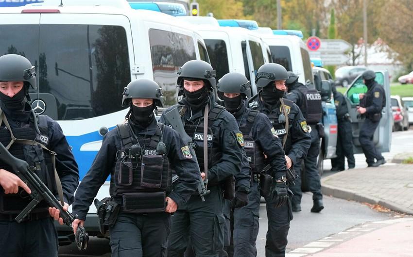 Almaniyada parlament binasını cəmi 3 polis qoruyub