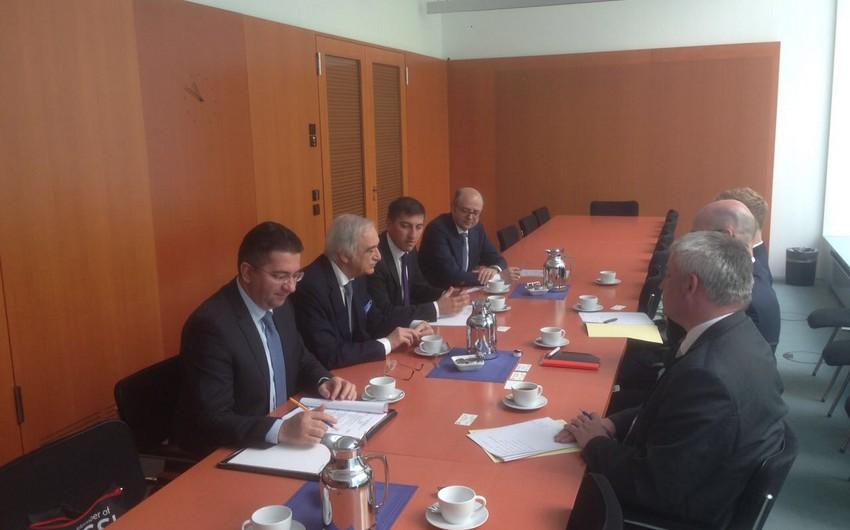 Кандидат от Азербайджана на пост гендиректора ЮНЕСКО побывал в Германии