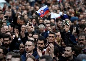 Правительство Словакии подаст в отставку 30 марта