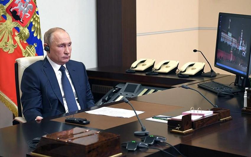Putin ilk dəfə istirahət otağını jurnalistlərə göstərdi