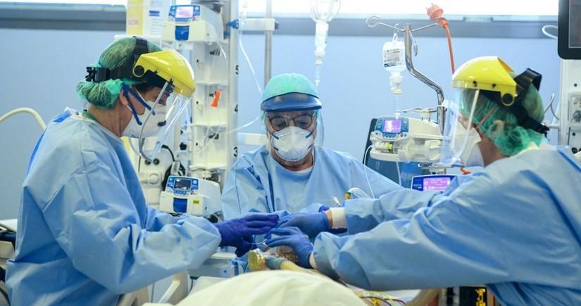 Названо число коронавирусных больных в реанимации