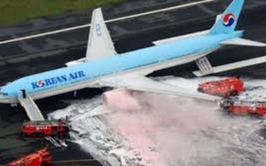 Tokyo hava limanında Korean Air aviaşirkətinə məxsus laynerin mühərriki yanıb