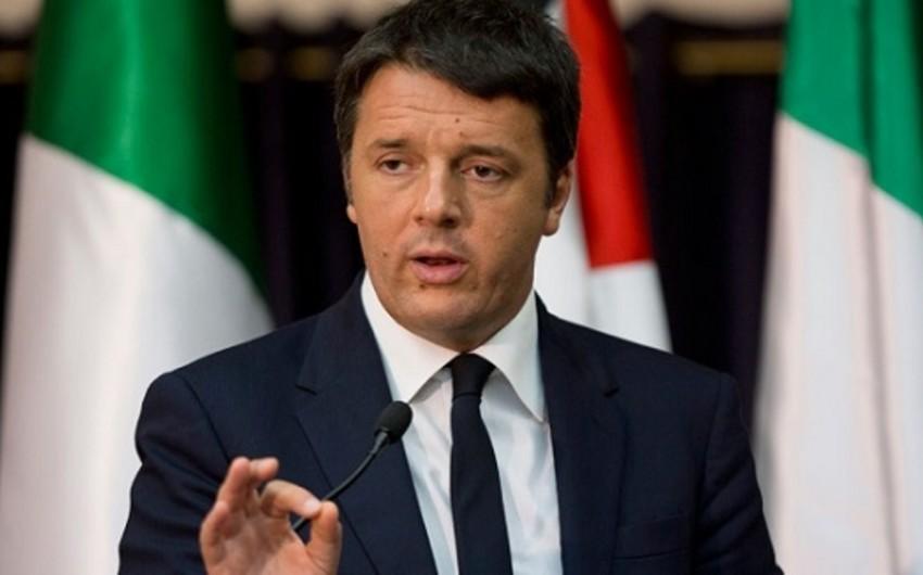 Matteo Rentsi İtaliyanın hakim partiyasının rəhbəri postundan istefa verib