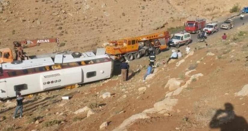 İranda jurnalistləri daşıyan avtobus qəzaya uğradı, ölən və xəsarət alanlar var