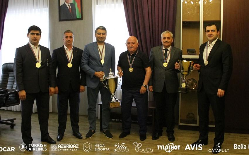 """""""Neftçi"""" klubunun Müşahidə Şurasının iclası keçirilib"""