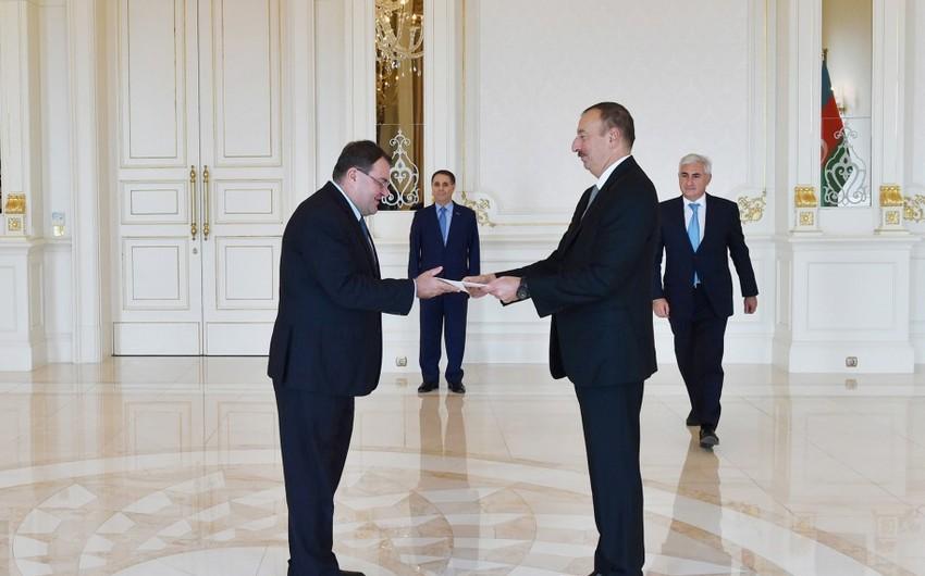 Prezident İlham Əliyev Macarıstanın yeni səfirinin etimadnaməsini qəbul edib
