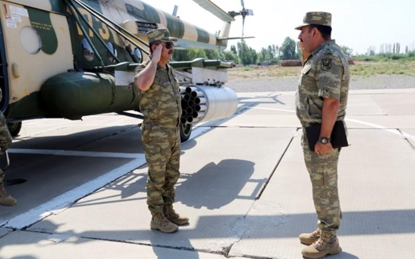 Министр обороны Азербайджана дал поручения о приведении подразделений и военной техники в боевую готовность