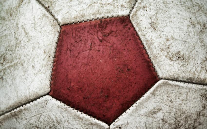 Молодой футболист Антверпен скончался во время тренировки