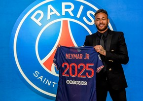 Neymar extends PSG contract until 2025
