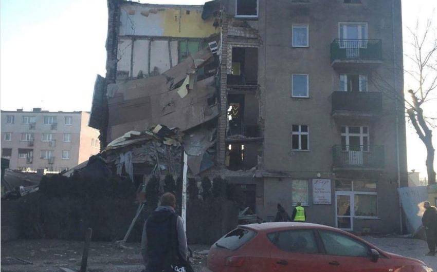 Polşada yaşayış binasının uçması nəticəsində 4 nəfər ölüb