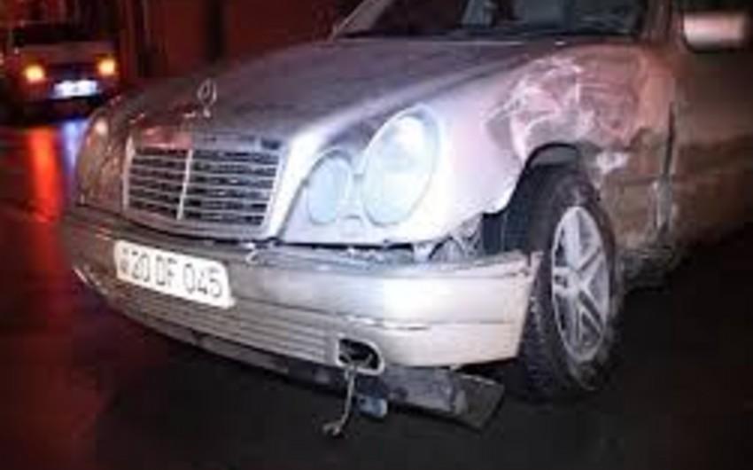 Gəncədə iki minik avtomobili toqquşub