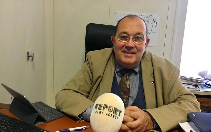 Fransalı deputat: Emmanuel Makrona görə Fransa artıq borca düşə bilər