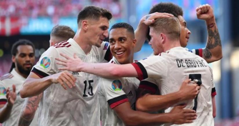 Сборная Бельгии обыграла команду Дании и вышла в плей-офф чемпионата Европы по футболу
