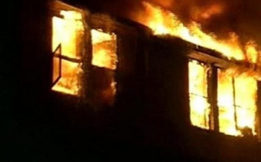 Bakıda 3 nəfər evində yanaraq vəfat edib