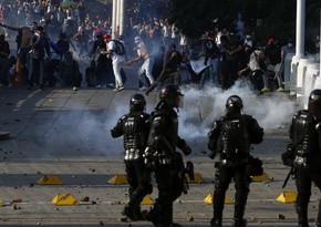 Kolumbiyada etirazlar zamanı 6 polis əməkdaşı xəsarət alıb