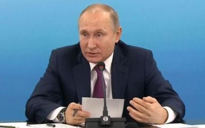 Putin prezidentliyə namizəd olmuş şəxslərlə görüşəcək