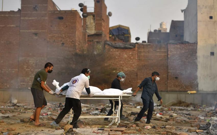 В Индии установили новый антирекорд по приросту погибших от COVID-19
