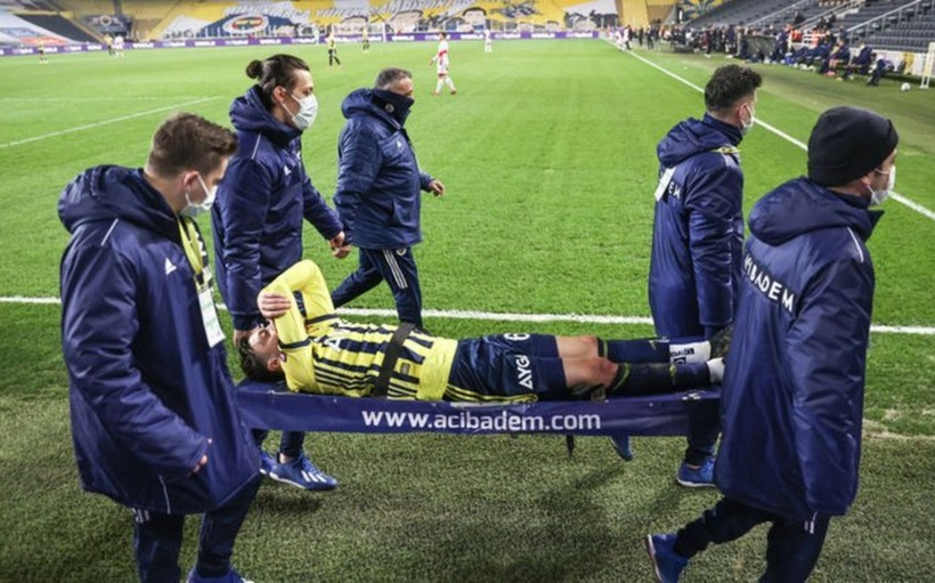 Mesut Özil ciddi zədələndi