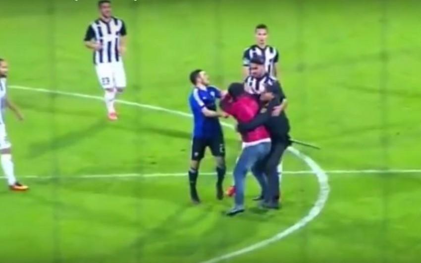 Neftçi klubu azarkeşi vuran futbolçusunu məşqlərdən kənarlaşdırıb - VİDEO
