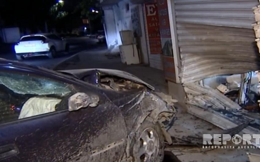 Bakıda sərxoş sürücü avtomobilini mağazaya çırpıb, xəsarət alanlar var - FOTO - VİDEO - YENİLƏNİB