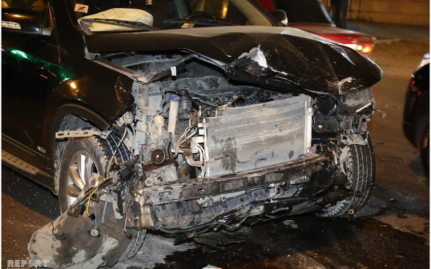Gəncədə iki avtomobil toqquşdu, sürücü öldü