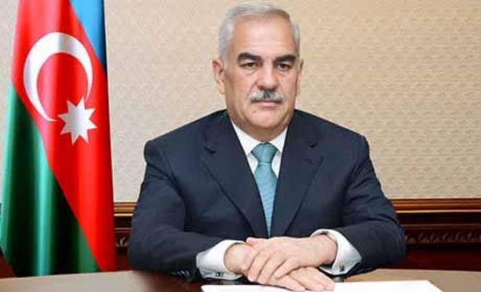 Vasif Talıbov İnstitut direktorunu təltif edib