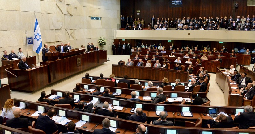 В Кнессете проходит пленарное заседание по утверждению нового кабмина Израиля