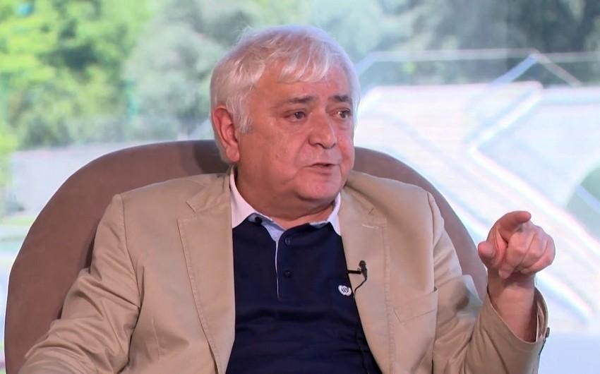 Агиль Аббас: Мне трудно носить портфель внука, как же его нести ребенку?!