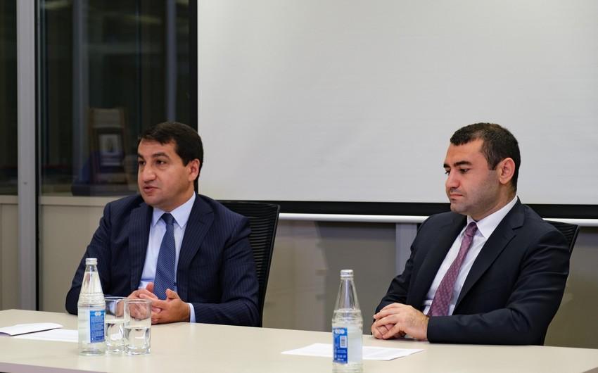 """Hikmət Hacıyev: Biz heç bir dairəyə Azərbaycanın daxili işlərinə qarışmağa imkan vermirik"""""""