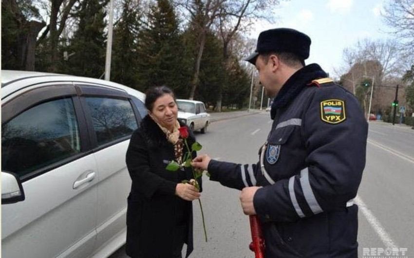 Mingəçevirdə DYP əməkdaşları qadın sürücüləri təbrik edib - FOTO - VİDEO