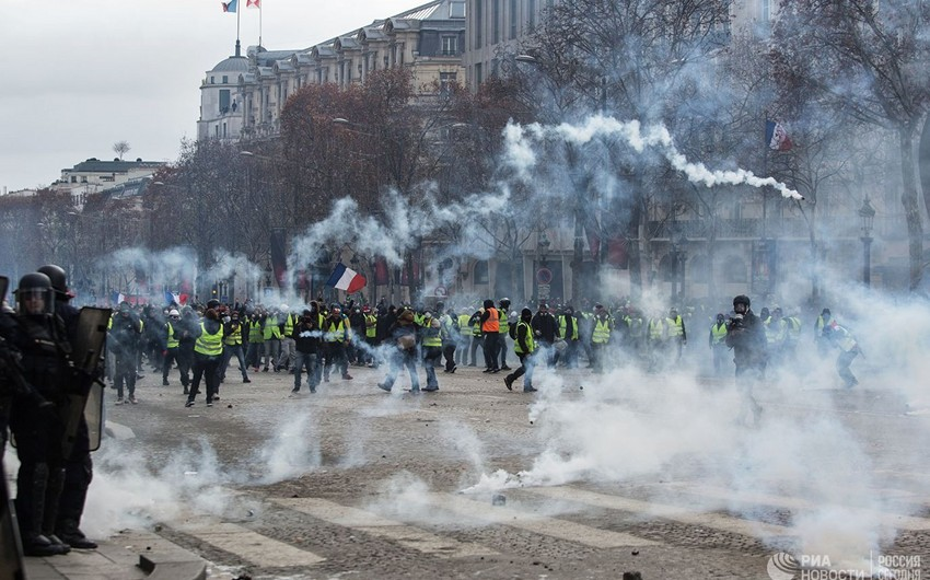 Fransada keçirilən aksiyalarda 4000-dən çox etirazçı saxlanılıb