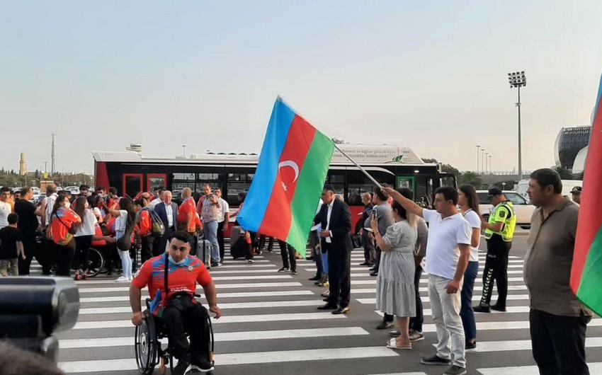 Azərbaycan paralimpiyaçıları Tokioya yola düşüb