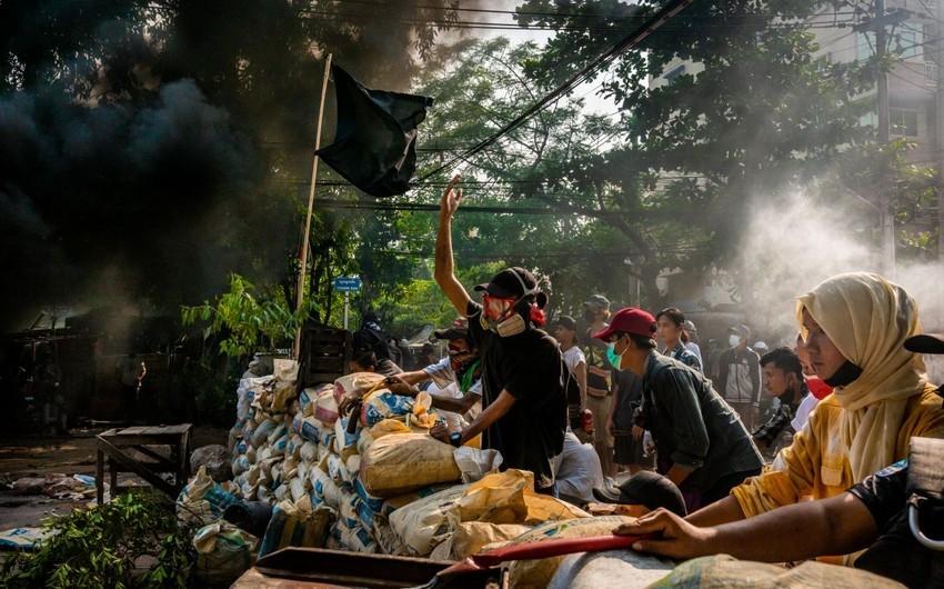 Myanmada aksiyalarda öldürülənlərin sayı 700 nəfəri ötdü