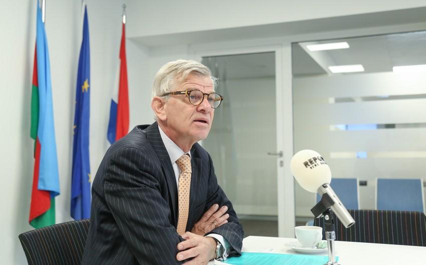 Niderland səfiri: Mehman Əliyevin azadlığa buraxılması çox xoş xəbərdir