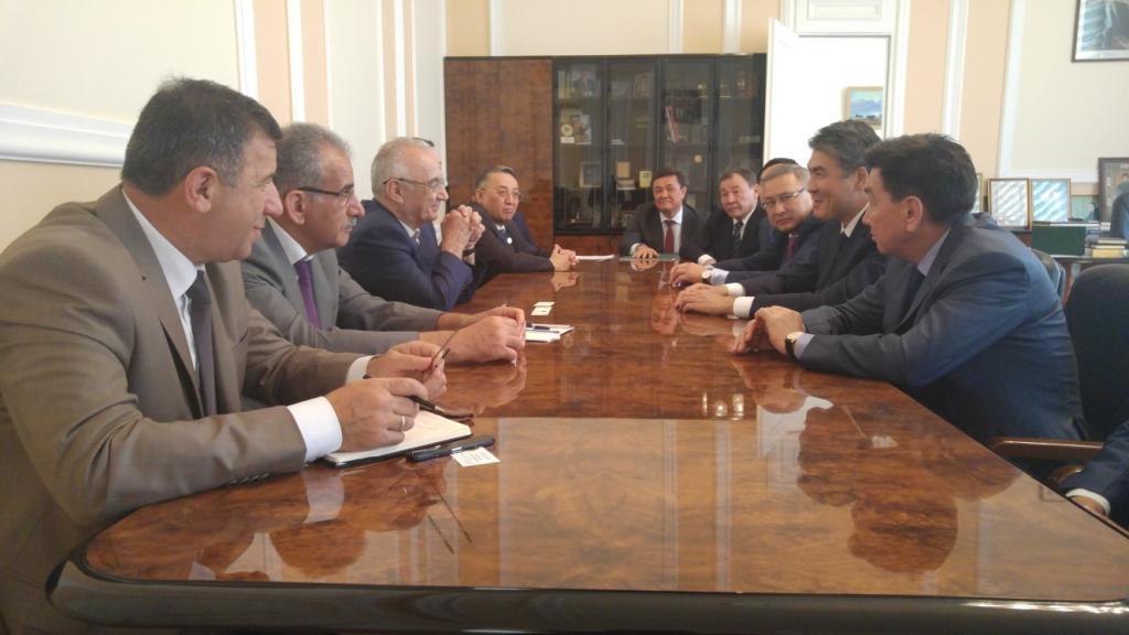 Обсуждены актуальные вопросы сотрудничества Баку и Астаны