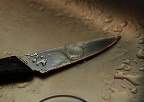 Yasamalda 36 yaşlı kişi özünə bıçaqla xəsarət yetirdi
