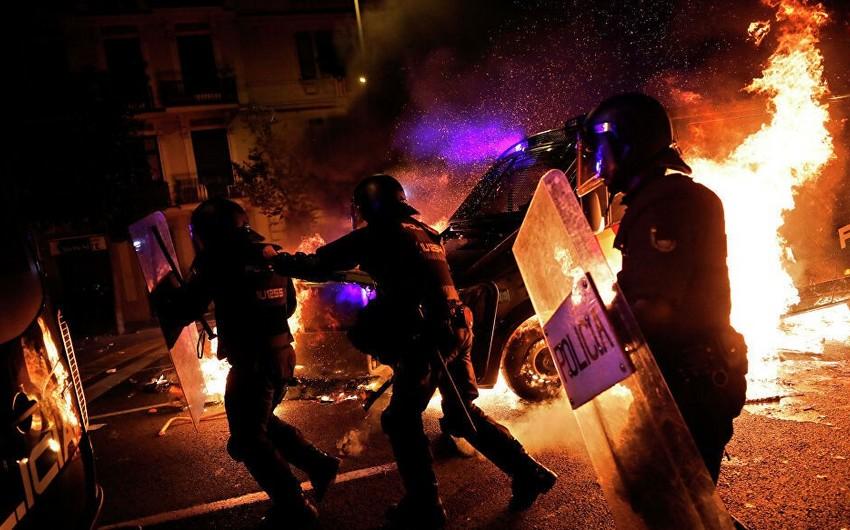 В Каталонии в ходе протестов задержаны 128 человек, пострадали 207 стражей порядка