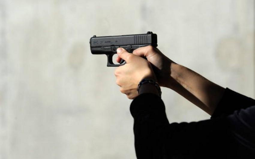 Praqada xəstəxanada silahlı insident olub, iki pasiyent güllələnib