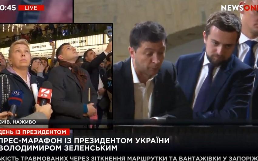 Ukrayna Prezidenti 14 saat ərzində 500-dən çox suala cavab verib