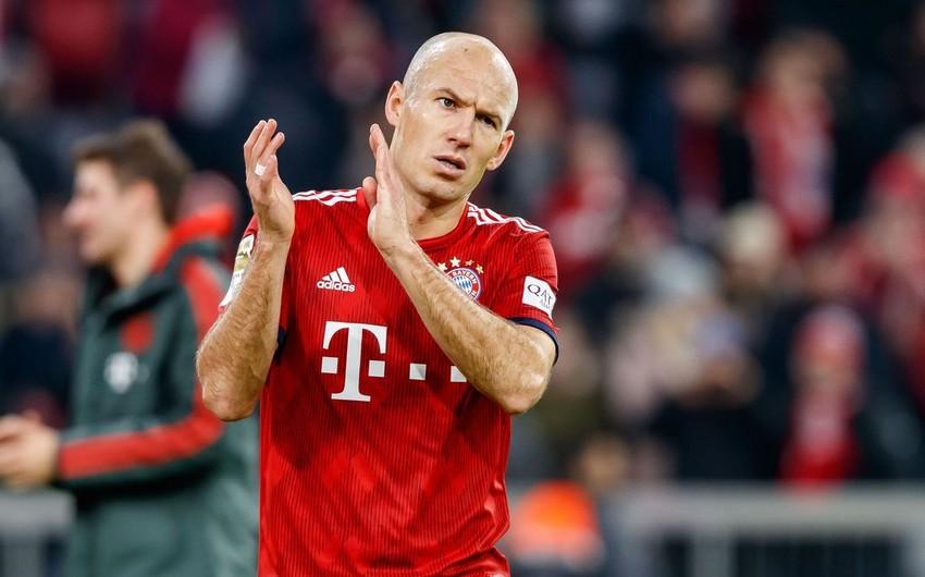 Aryen Robben karyerasını başa vurub