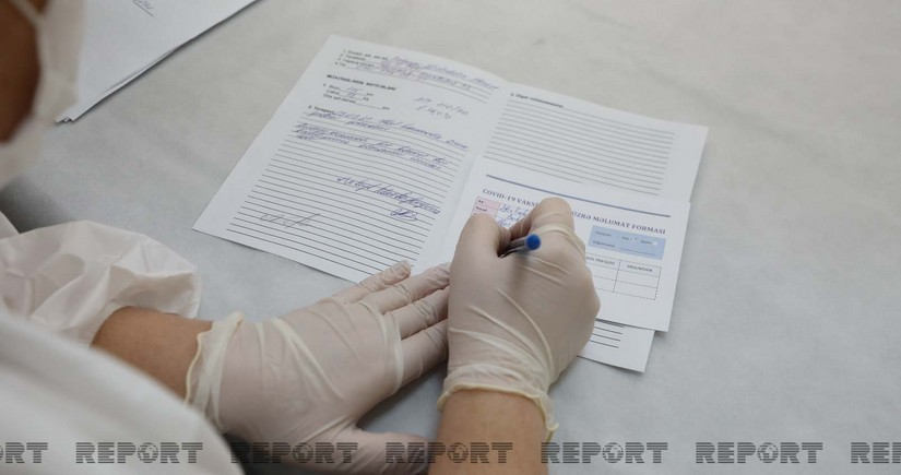 В Азербайджане уволены 12 врачей, выдававших поддельные справки о вакцинации